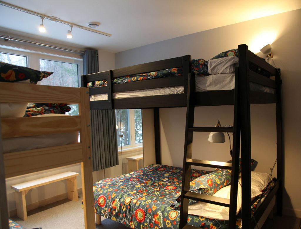 Double Queen buckbed and double Twin bunk bedroom